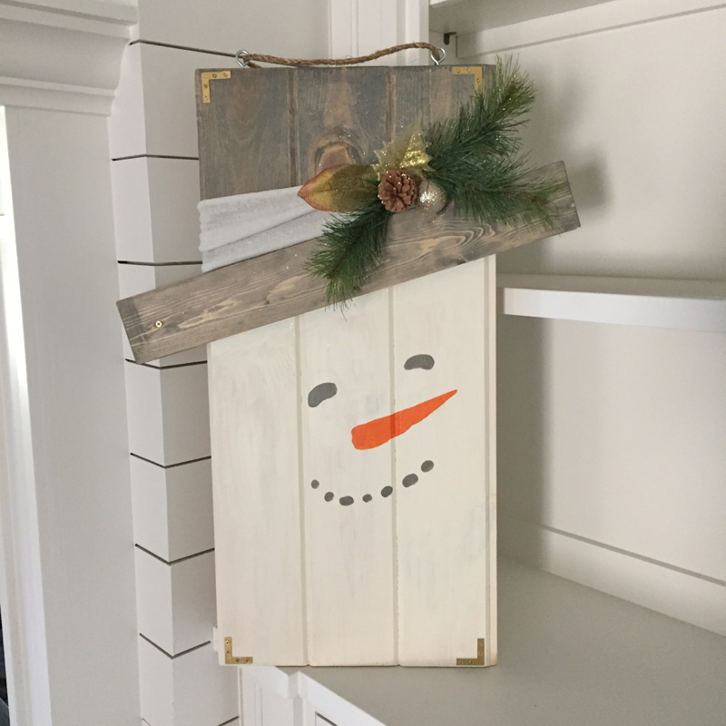 snowman-on-shelf-and-shiplap