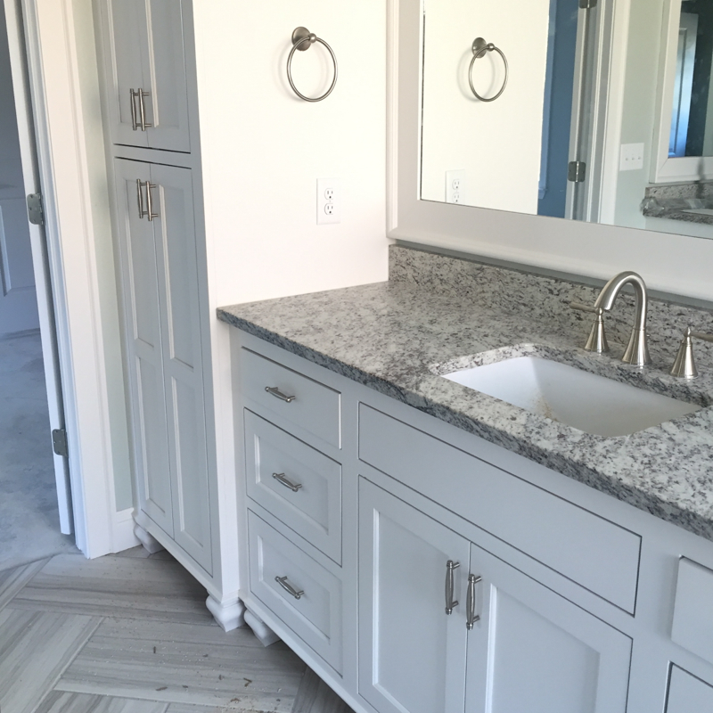verona-white-granite-master-bathroom